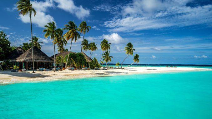 Какое время года подходит для отдыха на Мальдивах?