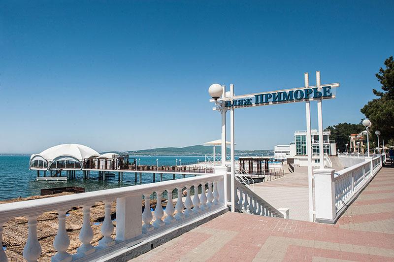 Пляж Приморье