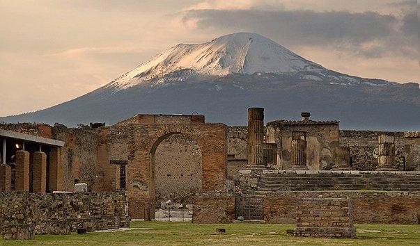 Помпеи, вулкан